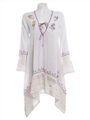 Hvit tunika med engler og rosa knyting
